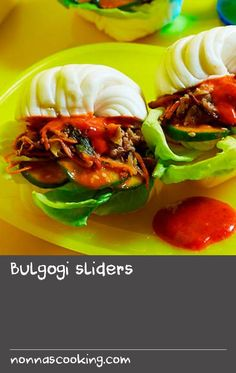 We've put a Korean twist on the ever-popular slider buns with this recipe for steamed Chinese mantou rolls filled with barbecued beef, Korean chilli paste and pickled cucumber. Chinese Recipes, Chinese Food, Pickled Cucumber Salad, Veal Recipes, Chilli Paste, Slider Buns, Cucumber Recipes, Pickling Cucumbers, Bulgogi