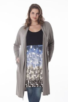 Straight-cut long cardigan from supple structure jersey, pockets in front.