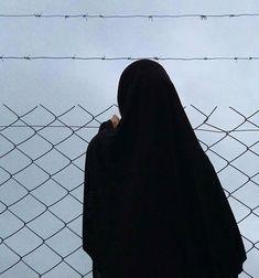 Arab Girls Hijab, Muslim Girls, Niqab Fashion, Muslim Fashion, Hijabi Girl, Girl Hijab, Cute Girl Photo, Girl Photo Poses, Islam Women