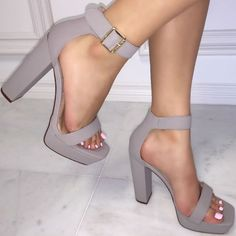 Ankle Strap Chunky Heels                                                                                                                                                                                 Más