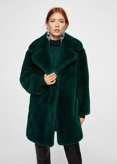 Fur coat with lapel collar – women Fashion Week, Look Fashion, Winter Fashion, In Der Disco, Coats For Women, Jackets For Women, Fur Coat Outfit, Looks Style, My Style
