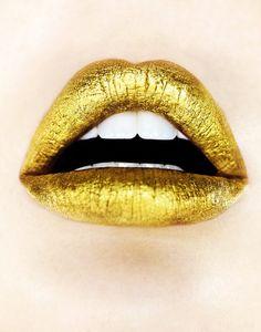Gold lips 2