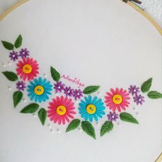 Diy Crafts - artesdolga,bordado-In this channel I will teach you different types of embroidery with thread and ribbons. Learn how to embroider with sm Basic Embroidery Stitches, Hand Embroidery Videos, Embroidery Stitches Tutorial, Embroidery Flowers Pattern, Creative Embroidery, Learn Embroidery, Silk Ribbon Embroidery, Embroidery Hoop Art, Hand Embroidery Designs