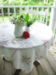 Vintage Linen Tablecloth Table Topper by mailordervintage on Etsy