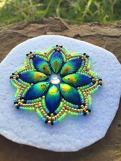 Freestyle Native American-made Indian Beadwork, Native Beadwork, Native American Beadwork, Native American Jewelry, Powwow Beadwork, Native American Design, Native American Crafts, Native American Fashion, American Indians