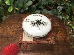 Vintage Chinese Porcelain Stamp Ink Case Bamboo Design With Original Presentation Box Bamboo Leaves, Bamboo Design, Japanese Calligraphy, Leaf Prints, Vintage Items, Wax, Presentation, Porcelain, Chinese