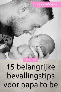15 belangrijke bevallingstips voor papa to be Papa Baby, Baby Kids, Love U Papa, Foto Baby, Baby Must Haves, Baby Birth, Baby Hacks, Mini Me, Baby Room