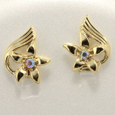 Flower Star Aurora Borealis Rhinestone Gold tone Clip on Earrings Vtg