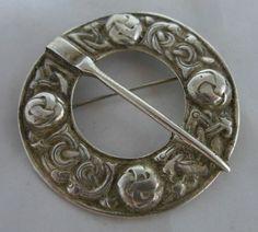 Scottish Silver Celtic Sash / Kilt Brooch Chester 1947 5cm