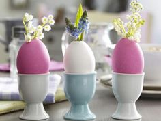 Easter Crafts Designs and Ideas are made to fit time to celebrate the return of Spring also. Easter Crafts Designs and Ideas include huge selection of personalized Easter items. Easter Table Decorations, Holiday Centerpieces, Handmade Christmas Decorations, Decoration Table, Table Centerpieces, Design Crafts, Decor Crafts, Home Crafts, Valentines Card Design