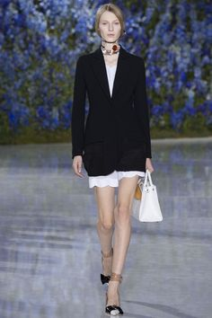 Christian Dior Spring 2016 Ready-to-Wear collection black blazer, shoes