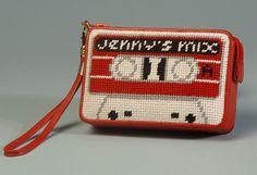 Cassetta rossa Needlepoint Kit di Jennyhenrydesigns su Etsy, $95.00
