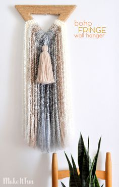 Have you noticed more and more macrame wall hangers showing up lately? I have and guess what? They are supereasy to create. Today I am showing you how to get the trendylook of macrame without hav…