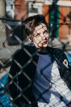 Portofolio Fotografi Urban – Find Me in the Tennis Court by Zi Nguyen Urban Photography, Creative Photography, Amazing Photography, Portrait Photography, Street Photography People, Hair Photography, Editorial Photography, Portrait Inspiration, Photoshoot Inspiration