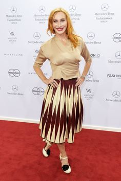 Pin for Later: Die Stars machen Berlin zum Mode-Mekka bei der Fashion Week Andrea Sawatzki bei der Schau von Lena Hoschek