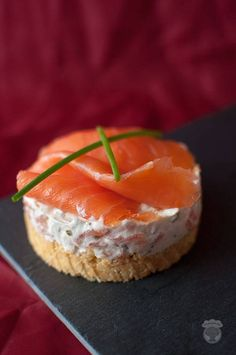 Salmon Cheesecake – A turtle in the kitchen – Quick Dessert Recipes, Brunch Recipes, Smoked Salmon Terrine, Crepes, Sandwiches, Mini Burgers, Party Buffet, Brunch Party, Roasted Almonds