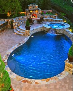 I'm itchin for a pool so bad! Too bad I live in an apartment lol