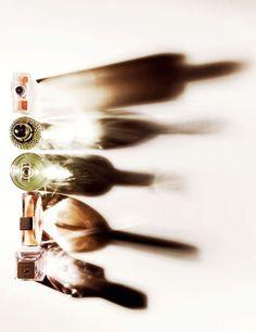 Ito, Junichi: Photography, Still life Wine Photography, Shadow Photography, Abstract Photography, Still Life Photography, Beauty Photography, Creative Photography, Portrait Photography, Composition Photo, Beauty Dish