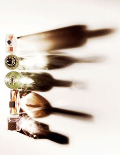 Ito, Junichi: Photography, Still life Wine Photography, Shadow Photography, Still Life Photography, Abstract Photography, Beauty Photography, Creative Photography, Natural Light Photography, Portrait Photography, Composition Photo