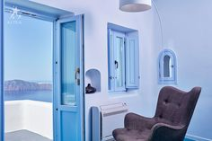 Imerovigli Suites Santorini - Hotel Astra Suites in Imerovigli Santorini suites for rent accommodation in Santorini with volcano and sea views Santorini Suites, Imerovigli Santorini, Santorini Greece, Health Retreat, Sunset Sea, Summer Pool, Luxury Spa, World Best Photos, Beauty Bar
