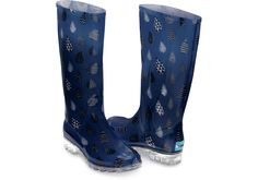 Made with lightweight PVC so you can wear them from winter through spring (whether it rains or not). @toms #Toms  [Blue Blue Raindrop Print Women's Cabrilla Rain Boots ]