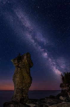 Nighttime_Flower Potsland_Bruce Peninsula_Under the Milky Way (facing west)_Photo by Jim Davis Beautiful Sites, Beautiful Islands, Beautiful Places, Amazing Places, Ontario Camping, Tobermory Ontario, Flowerpot Island, Ontario Cottages, Ontario Parks