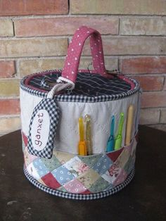 Ideas sewing accessories storage fabric boxes for 2019 Fabric Crafts, Sewing Crafts, Sewing Projects, Fabric Boxes, Fabric Basket, Fabric Storage, Sewing Baskets, Diy Scarf, Craft Bags