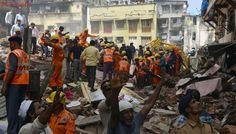 Al menos once muertos tras colapsar un edificio en Bombai