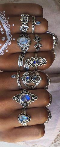 Boho bohemian rings gems silver flash tattoo temporary blue stones women's jewelry rings beautiful Joyas bohemias de Novica - We Love Boho Jewelry Box, Jewelry Rings, Silver Jewelry, Jewelry Accessories, Fashion Accessories, Fashion Jewelry, Jewelry Making, Jewelry Stores, Jewellery Shops
