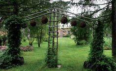 Maatilan pihapiirin vihreät puutarhaideat