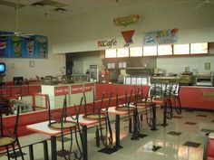 """Hmmmm...this is a late pic. Post K-Mart remodels in the mid-eighties, can tell by the logo on the wall and the overall """"updated"""" look. Would love to find an older photo."""