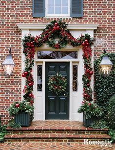 Explore the opulent Christmas decor in this traditionally-decorated Colonial style home, decked out in layers of gold and silver for the holiday season.