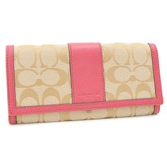 COACHより、定番ノシグネチャー柄お財布が登場。 色がピンクだと、大人っぽい!収納力もあるので、重宝しそう。