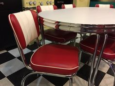 Retro Furniture, Furniture Styles, Custom Furniture, Contemporary Furniture, Famous Furniture Designers, Kitchen Dinette Sets, Diner Booth, Bold Wallpaper, Living Styles