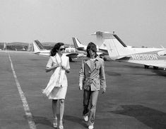 Bianca Jagger, Mick Jagger, Rolling Stones Tour, Young Old, Keith Richards, Vintage Vibes, Rock N Roll, Style Icons, Old Things