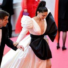 The Super Stunning at deepikapadukone Deepika Padukone Style, Bollywood Actors, Celebs, Celebrities, Cannes Film Festival, Actors & Actresses, Celebrity Style, Beautiful Women, Saree