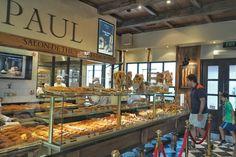 Paul French Bakery and Patisserie, sebuah toko bakery legendaris asal Perancis sejak tahun 1889 akhirnya tiba di Jakarta, Indonesia! Yay! Paul Bakery yang telah beroperasional sejak akhir Desember 2013 di Pacific Place Mall (Jakarta Selatan) ini menyediakan beragam roti dan kue Perancis segar setiap harinya, seperti baguette, Viennoiserie, croissant,dan banyak lainnya. Bukan hanya pastry, Paul…