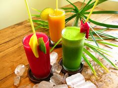 Flavors of Brazil - Brazil is famous for the variety and quality of its fresh fruit drinks, and juice stands are commonplace fixtures on streets Healthy Fruits, Healthy Eating, Healthy Recipes, Healthy Food, Yummy Food, Brazilian Fruit, Healthy Protein Shakes, Dietas Detox, Juicing For Health