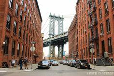 Cómo cruzar el Manhattan Bridge a pie, junto al puente de Brooklyn, uno de los puentes del East River de Nueva York.