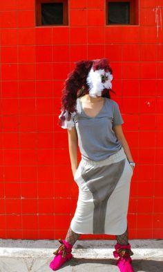 Falda increible con rigetes al frente! @LacayoPez Pasen a darle LiKE a nuestra página!! http://www.facebook.com/pages/Lacayo-Pez-Prendas-Experimentales/263209390376930?ref=ts=ts #FASHION #CLOTHES #CONCEPTUAL #ART #DESIGN