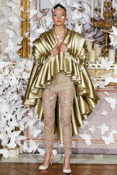 Foto AMCL2014 - Alexis Mabille Couture Lente 2014 (1) - Shows - Fashion - VOGUE Nederland