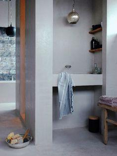 great build in sink and hidden shower