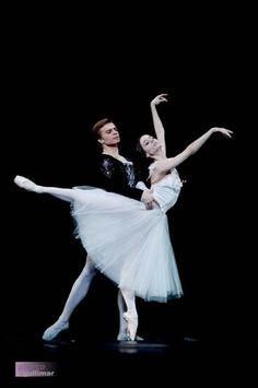 "Maria Kochetkova in ""Giselle"" (partner Gennadi Nedvigin) /San Francisco Ballet /photo by Marina Guliaeva."