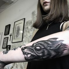 Wolf I made for the lovely @thetigerstyle at @parliamenttattoo  by scottmove