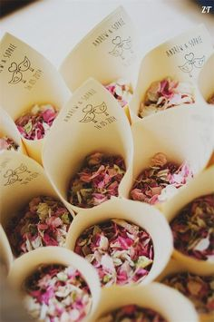 wedding confetti natural petals 100% biodegradable