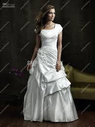 vestidos de novia escote cuadrado y mangas - Buscar con Google