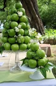 Towering #apple cakes #display #table centerpiece - like a croquemboche, but with #granny smith apples!