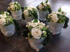 Deco Floral, Arte Floral, Floral Design, Faux Flowers, Small Flowers, Fresh Flowers, Flower Box Gift, Flower Boxes, Wedding Table Deco