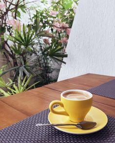 O que seria de mim sem esse lugar? Tem até crepioca minha gente! Assim fica fácil manter a linha! (Mas tem pão de queijo com nutella também, já dificulta aqui pa nois) #lordscafe #coffee #coffeetime #café #fitness #yellow #sorocaba #oquecomer #eaioquecomer #sorocity