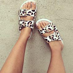 .@thessy_saboskirt | Jesus. I have Jesus sandals. @Gregg Pack | Webstagram